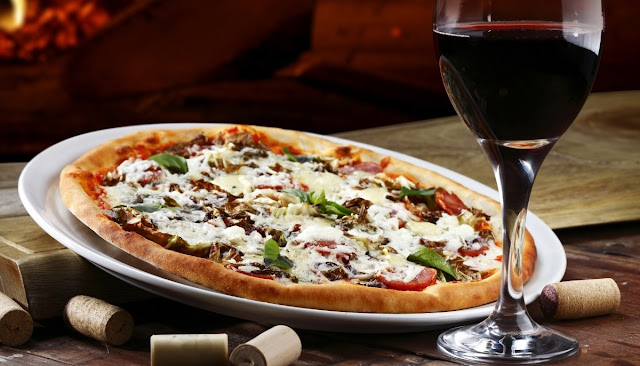 http://www.oblogdomestre.com.br/2017/10/HarmonizacaoDeBebidasEPizzas.Alimentos.html