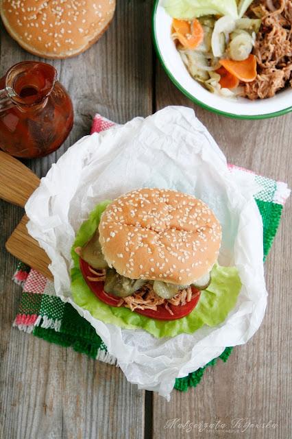 szarpana wieprzowina, jak zrobić rwaną łopatkę, co to jest pulled pork, kanapki z mięsem, daylicooking