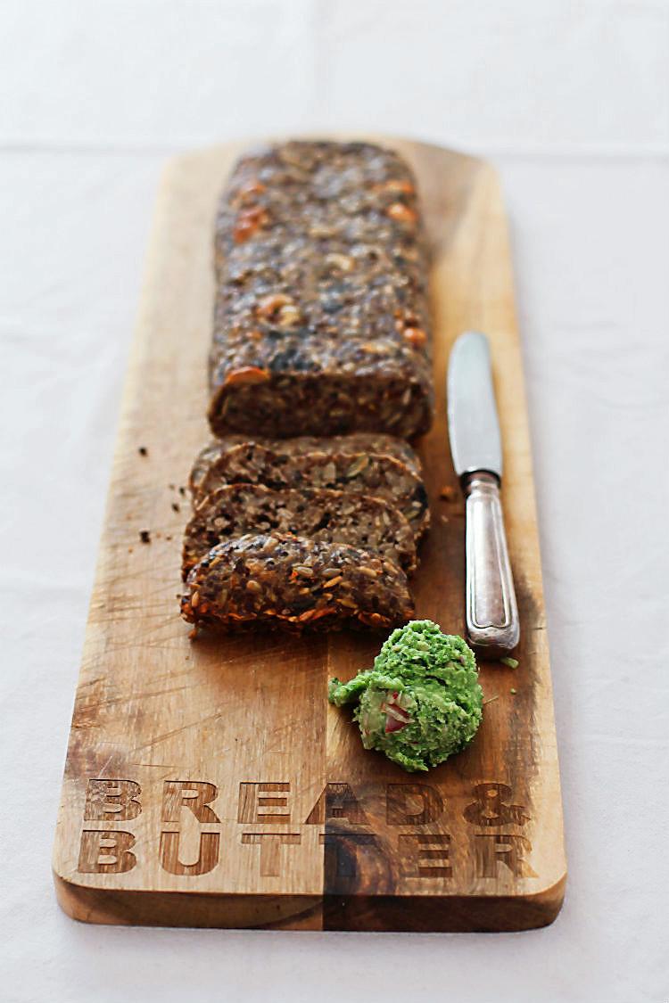 Life Changing Bread aka Müslibrot. Rezept ohne Nüsse, mit Hanfsamen für Allergiker geeignet! | Arthurs Tochter kocht. Der Blog für Food, Wine, Travel & Love von Astrid Paul