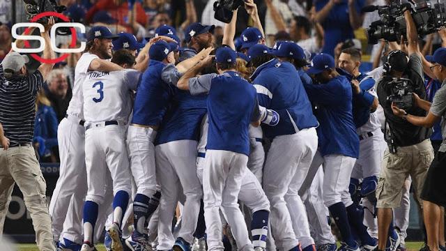 Los Dodgers vencieron el domingo 4-1 a los Cachorros de Chicago para ponerse en ventaja de 2-0 en la Serie por el Campeonato de la Liga Nacional
