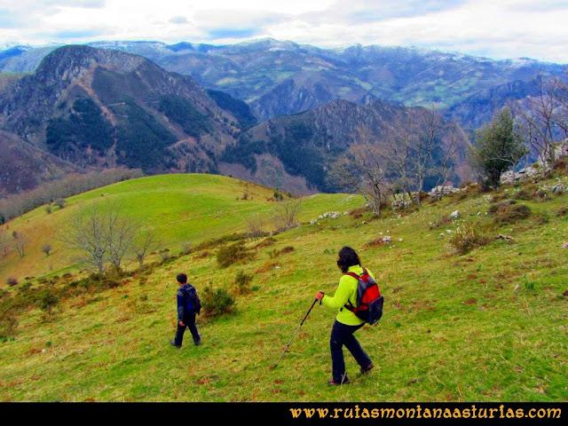 Ruta al Pico Gorrión: Bajando la zona del pradón