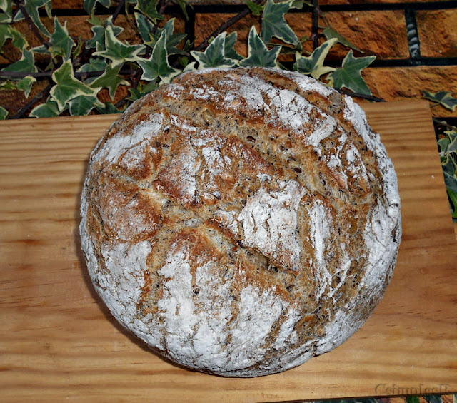 pao de sementes cozido em tacho de barro