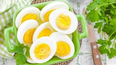 आप सेहत बनाने के लिए जो अंडे खाते हैं कही वो नकली तो नहीं!ऐसे पहचान सकते है नकली अंडे