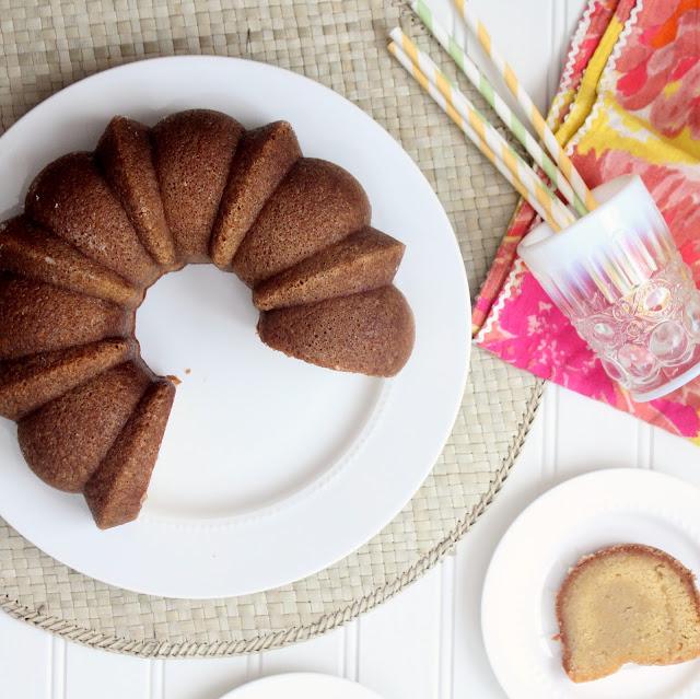 delicious rum cake recipe from cherryteacakes.com