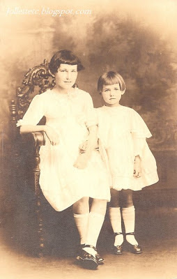 Violetta and Velma Davis about 1914