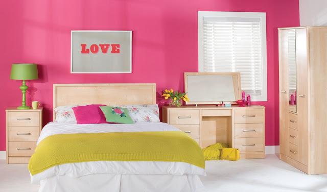 Kamar dengan desain sederhana