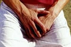 Foto Pengobatan gatal kulit kemaluan pria dan biji pelir yang aman serta alami