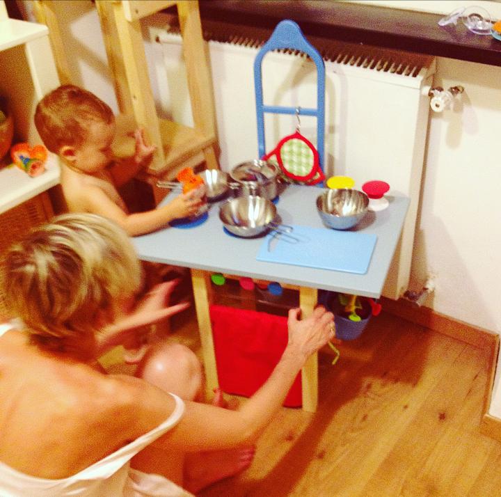 Mamma Aiuta Mamma Come creare una piccola cucina giocattolo fai da te