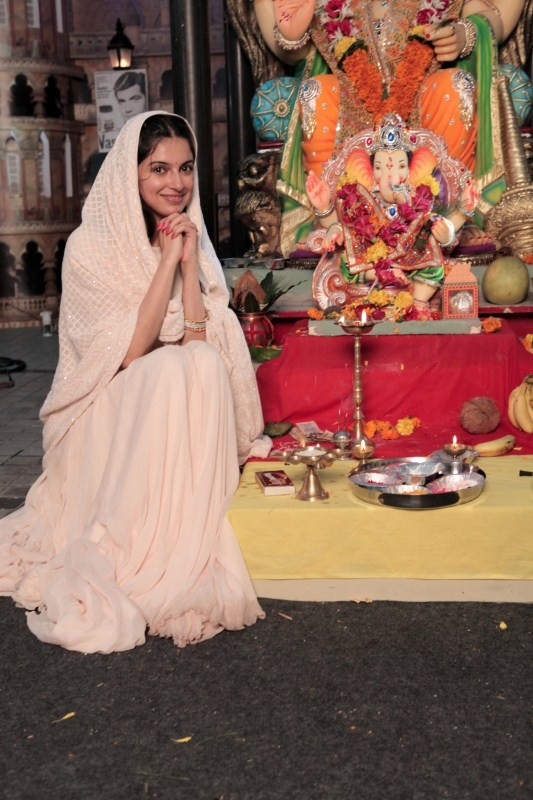 Divya Khosla Kumar Celebrate Ganpati festival