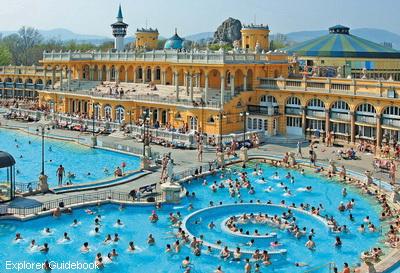 Szechenyi Bath (Pemandian Air Panas)