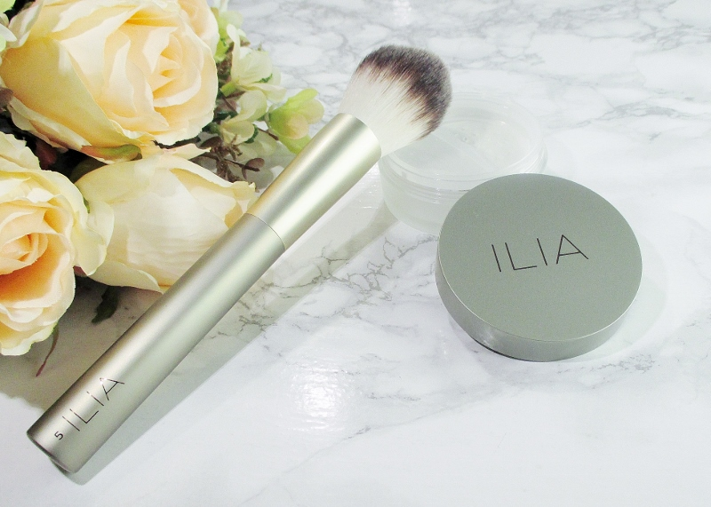ilia-finishing-powder-brush-face-brush-2