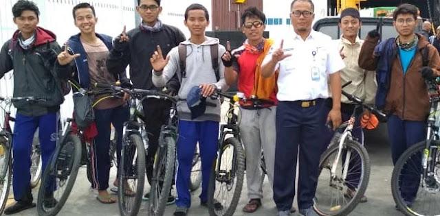 Ikut Reuni 212, Mahasiswa ADI Lampung Kayuh Sepeda ke Jakarta