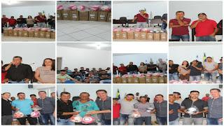 56140bc5dc MIRANTE  Prefeito Lúcio Meira faz a entrega de materiais esportivos ...