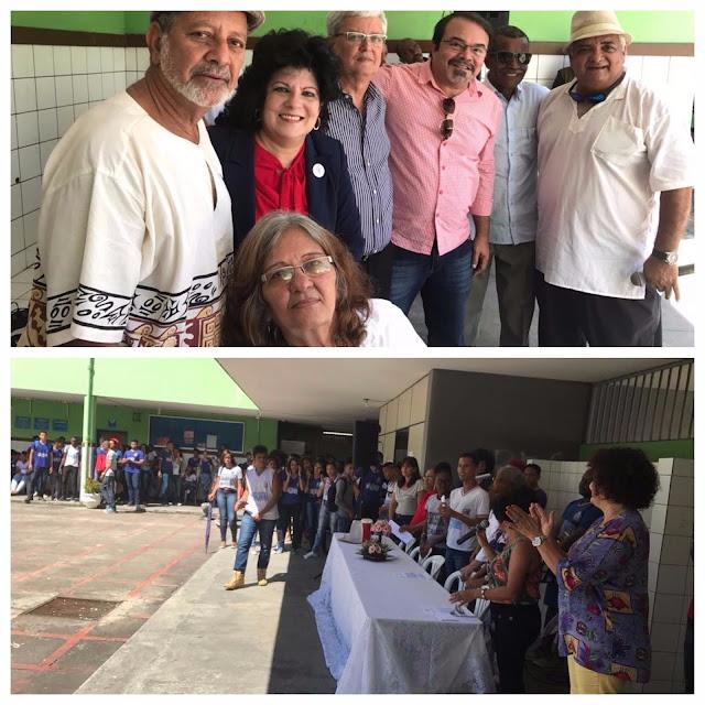 Ex-alunos retornam ao Manoel Devoto para comemorar Dia do Estudante