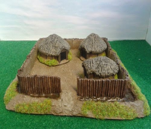 BD219 Celtic Farm with Huts picture 1