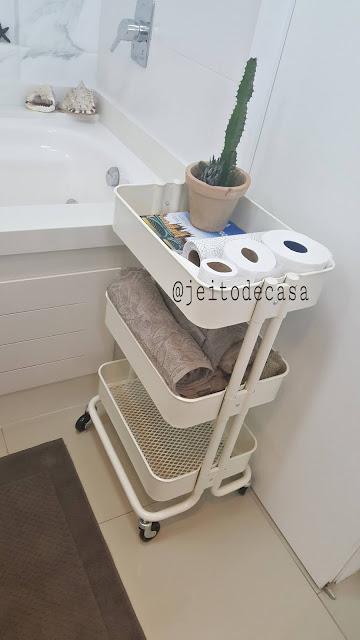 carrinho-organizador-no-banheiro