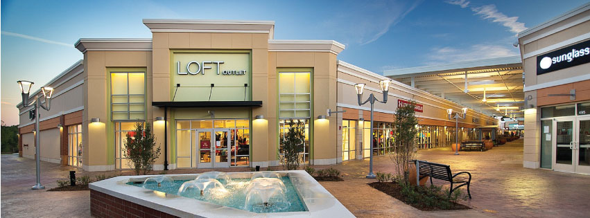 2a016661160950 We drove to the Outlet Shoppes At Atlanta Mall yesterday. It is actually  located in Woodstock