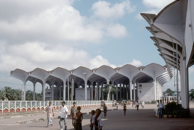 Awesome architecture  komlapur railway station designed by Robert Boughey