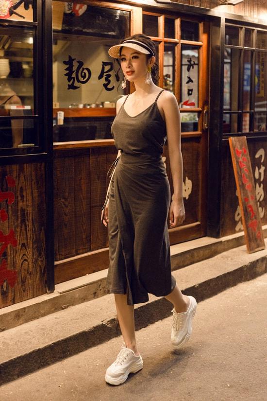 Angela Phương Trinh gợi ý chọn đồ gợi cảm dạo phố mùa hè -8