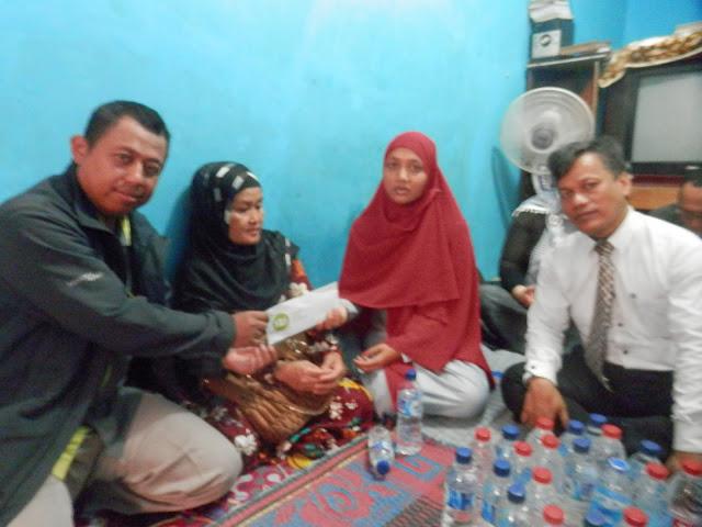 IZI Bantu Keluarga Pria yang Dibakar Massa di Bekasi