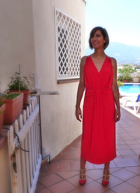 Fitness And Chicness-Invitada Tonos Rojos La Familia Mujer-11