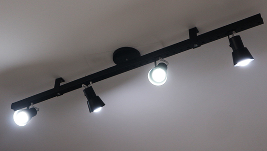 luminária de trilho, luminária diy, luminária faça você mesmo, diy, faça você mesmo, decor, decoração industrial, a casa eh sua, cozinha, luminária