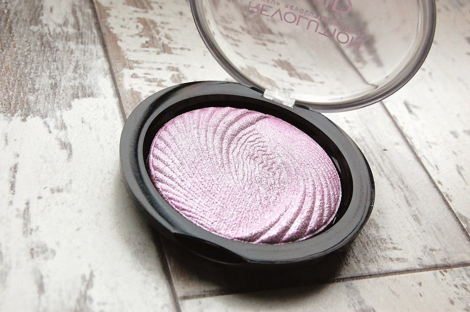 make up revolution vivid baked highlighter