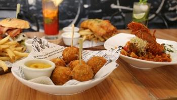 makan halal singapore