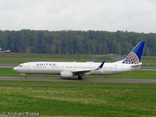 United Airlines 737-900ER Portland