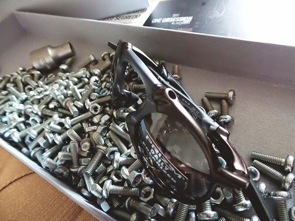 Macho Moda - Blog de Moda Masculina  Sorteio  43 - Óculos Oakley ... 57e189d62a