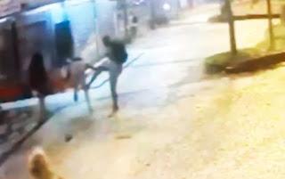 Vídeo mostra Compadre Washington sendo agredido durante assalto em SP