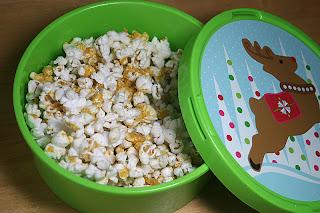 Cheesy Popcorn {Vegan} 4