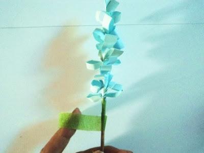 kertas hijau untuk batang bunga