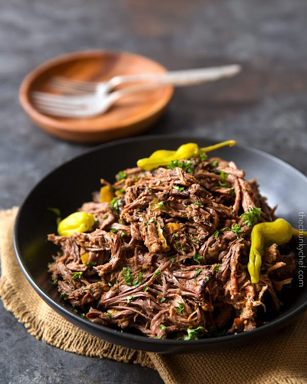SLOW COOKER SHREDDED ITALIAN BEEF