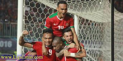 http://ligaemas.blogspot.com/2016/12/alfred-riedl-bangga-indonesia-sukses.html