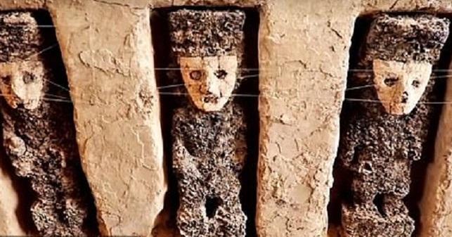 Μυστηριώδη, μαύρα, ξύλινα αγάλματα 800 ετών ανακαλύφθηκαν στο Περού video