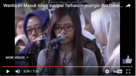 Video Wanita Ini Menangis Haru saat Bersyahadat Dibimbing Zakir Naik di UPI Bandung