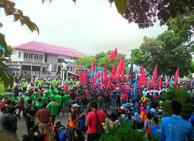 Daftar UMK 2017 Lengkap 27 Kabupaten/Kota di Jawa Barat