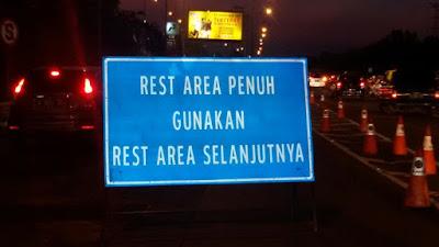 Polres Karawang Berlakukan Buka Tutup Rest Area KM 57