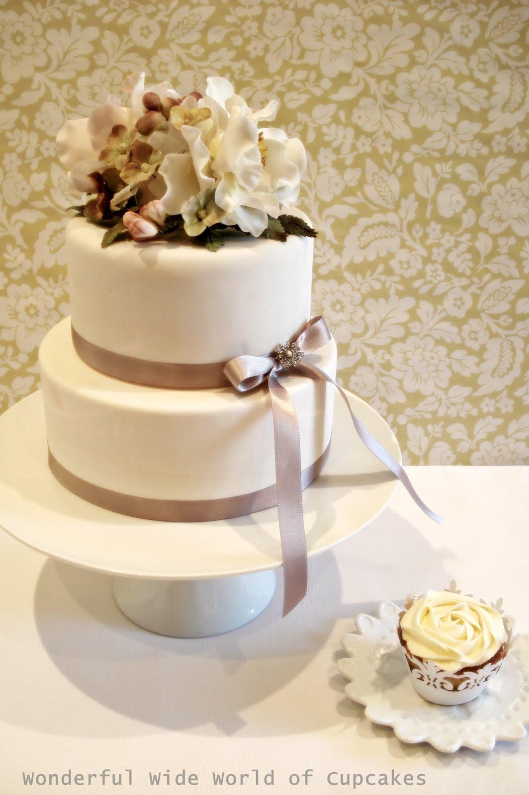 Wonderful World Of Cupcakes Need A Smaller Wedding Cake