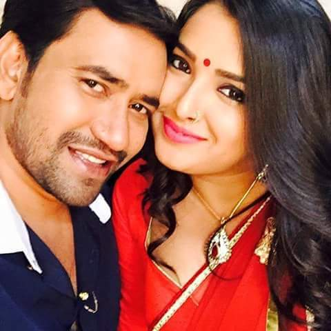 Dinesh Lal Yadav 'Nirahua', Amrapali Dubey ON Set of Bam Bam Bol Raha Hai Kashi Bhojpuri Film Shooting photo