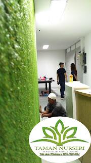 rumput sintetis dinding