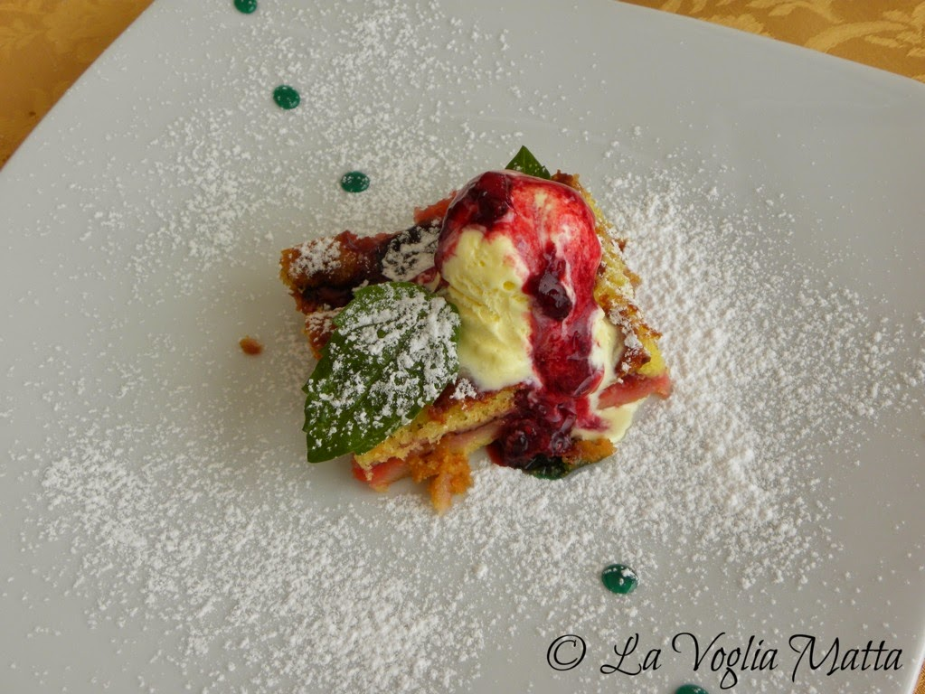 Taverna Porto dolce di prugne con gelato alla vaniglia