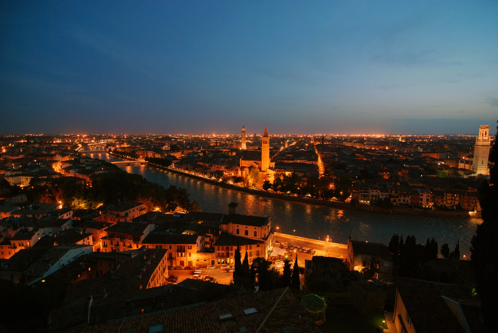 Verona by Night. Photo: WikiMedia.org.