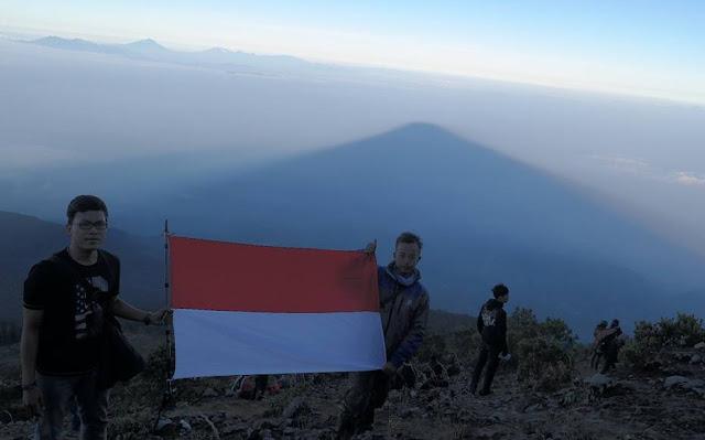 Jalur Pendakian Gunung Ciremai Jawa Barat