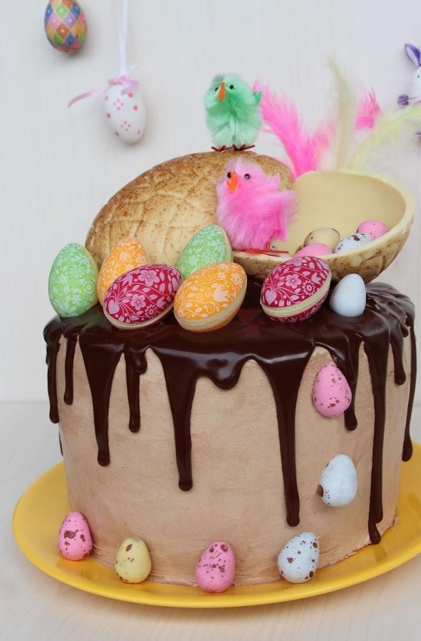 mona pasqua drip cake