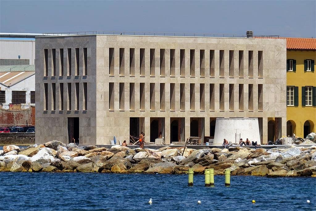 Livorno una foto al giorno un orrore in bella vista for Costo della costruzione dell edificio