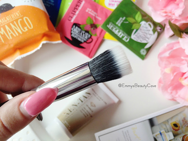 Crown Brush C436 Duo Fibre Blender Brush Review