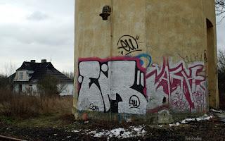 http://fotobabij.blogspot.com/2016/02/puawy-ulkolejowa-graffiti-na-wiezy.html
