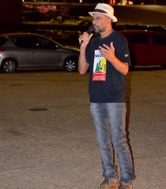 O professor Chico do Gama declamou poemas de sua autoria Foto Joaquim Dantas